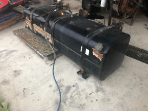 FUEL TANK FOR FREIGHTLINER