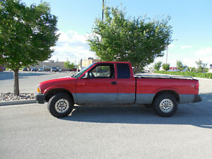 1996 Chevrolet Sonoma S-10 Red Pickup Truck