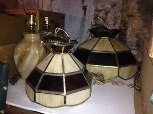 Tiffany lamps and a set of marble coloured glass lamps