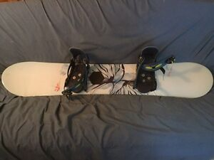 Burton Feather 47 Snowboard plus boots