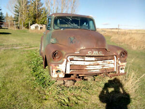 1954 GMC short box stepside/1970 GMC stepwise/1956 2 dr. Pontiac