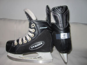Youth/Boy's Hockey Skates Size 9 (Two Pairs)