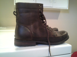BRAND NEW  Mens Pika Boots size 8