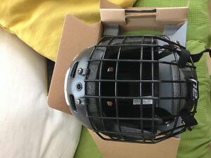 Casque - helmet  Hockey BAUER  avec grille -small