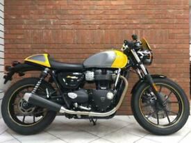 2017/17 Triumph Street Cup 900 With 5405 Miles Finished In Silver and Yellow