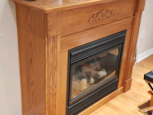 Gas fire place and mantel