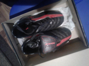 Admiral kid size 12 Soccer cleats