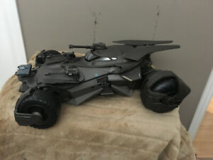 batman  Ultimate Batmobile 20 inch RC Justice League $180.00