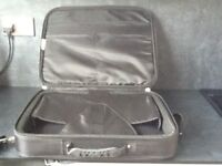 Dell lap top bag/ carry case. Great condition.