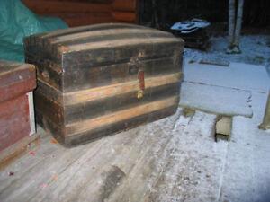 4 Ancien  Coffres en bois