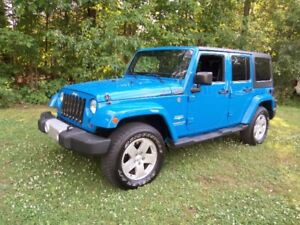 2011 JEEP WRANGLER UNLIMITED SAHARA ***AUTOMATIQUE+CUIR***