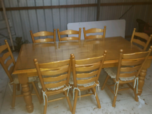 8 Seater Solid Timber Dinning Table