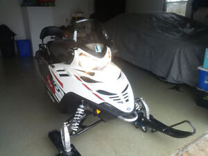 2011 POLARIS IQ LXT WITH REALLY LOW KM737 CLEAN SLED