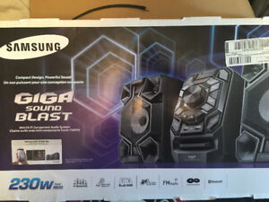 SAMSUNG GIGA SOUND BLAST 230w Mini Hi-Fi Bluetooth audio system