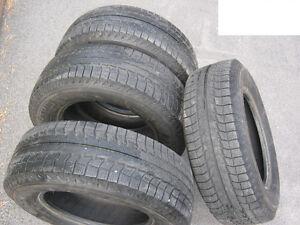 Pneus d'hiver Michelin X-ice 225/70 R16