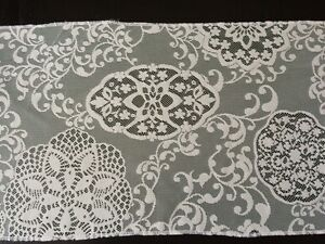 Ivory lace table runners West Island Greater Montréal image 4