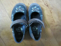 girls shoes size 9 / 9.5