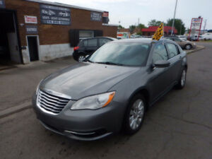 2012 Chrysler 200 LX AUTOMATIQUE
