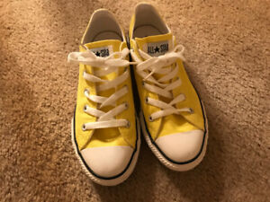 Converse sneaker Youth size 3