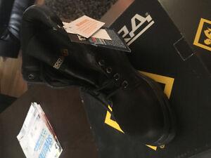 Brand new work boots!! Smokin deal