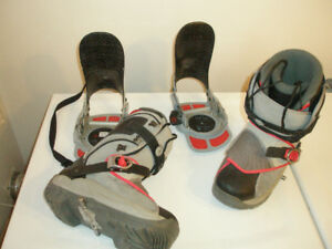 ROSSIGNOL SIS SIZE 9 BOOTS, STEP IN BINDINGS AND SNOWBOARD