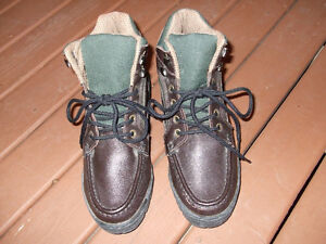 "Women's ""Colorado"" winter boots."