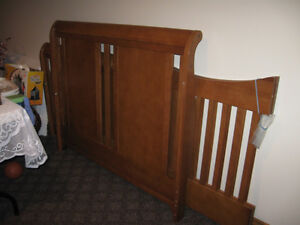 Baby Crib (Chelsea), Convertible with Mattress and frame Kitchener / Waterloo Kitchener Area image 1