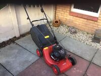 BRIGGS & STRATTON LAWN MOWER. £60