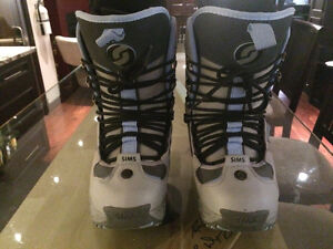 Women's Sims Snowboard Boots / Size 7
