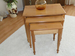 Cherry wood Nesting tables