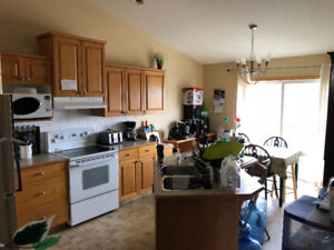 Room for rent southridge (avalable immediately)