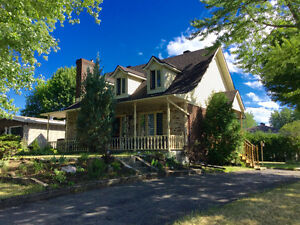 Incredible house for rent in Chateauguay!