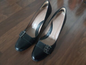 9 Women's high heels/shoes (Size 6.5, 7, 7.5 and 8)