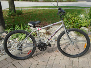Men's  Bicycle  CCM 18 speed in great condition