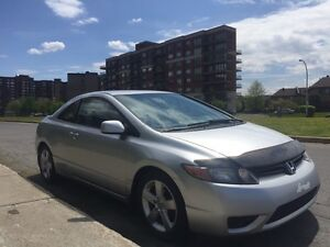 Honda Civic coupe 2 Doors with 104900 kms