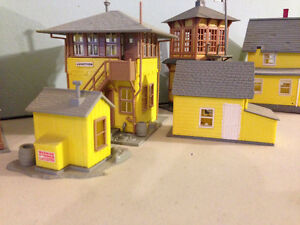 HO Scale Train Set Buildings