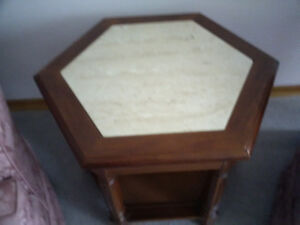 marble and wood end table Kitchener / Waterloo Kitchener Area image 1