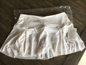 BRAND NEW - LULULEMON - Lost in Pace Skirt - size 10