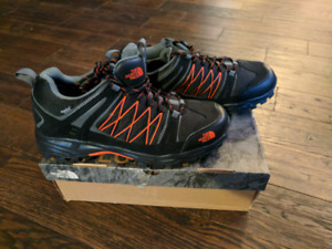 North Face Mens Alteo Hiking Shoes   US 7.5