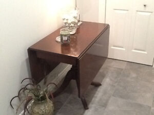 Drop leaf table and matching chairs