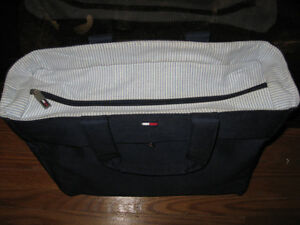 WOMANS DESIGNER BAG BABY DIAPER CARRING BAG Cambridge Kitchener Area image 2