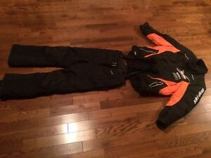 Skidoo snomobile suit used 4 time