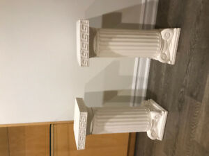 Roman pillars great for wedding and for table!