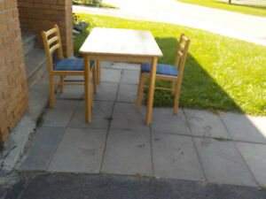 Kitchen table & 2 chairs.