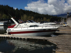 24' Cabin Cruiser, 1990 Sun Runner moorage avail Salmon Arm
