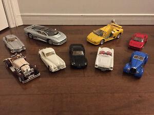 Collection de voitures à l'échelle (2 tailles - 9 modèles)