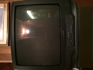 Panasonic TV 13.5 in x 19 in with VHS