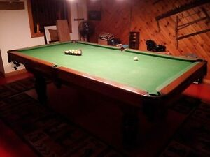 Dufferin Professional Size Pool Table for sale !