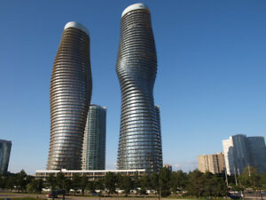 Mississauga's Icon - 2-Br Marilyn Monroe Condo, Square One