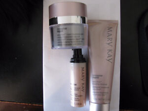 Pre - owned Mary Kay Beauty Lot